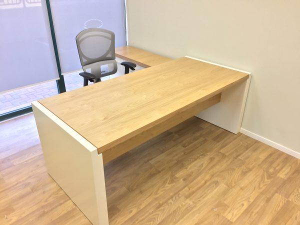 שולחן מנהל דגם הביטאט סטטוס ריהוט משרדי