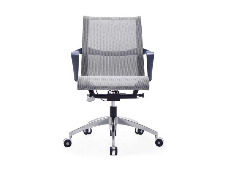 בחירת כסא לחדר הישיבות