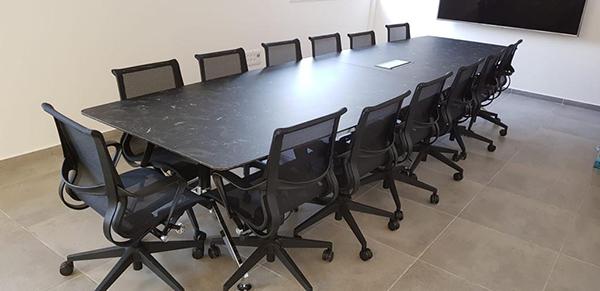 שולחן לחדר ישיבות דגם ספיידר
