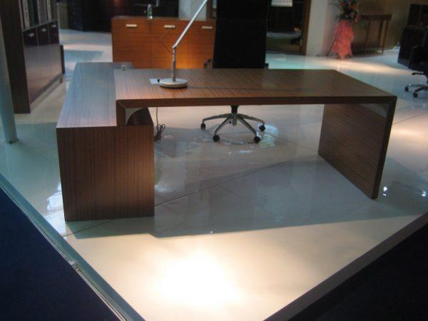 שולחן מנהל דגם מאסטר- סטטוס ריהוט משרדי