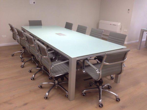 שולחן לחדר ישיבות דגם W- סטטוס ריהוט משרדי