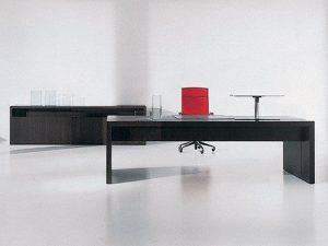 שולחן מנהל דגם מאסטר